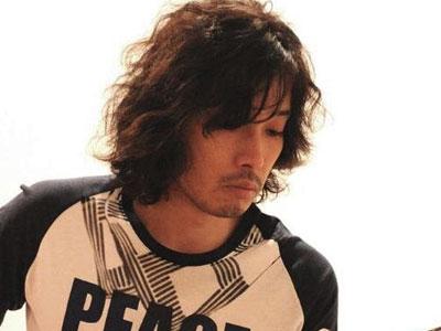 栃木県出身の男性-斉藤和義